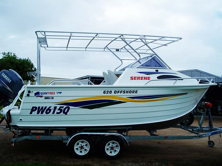 Boat with canopy frame